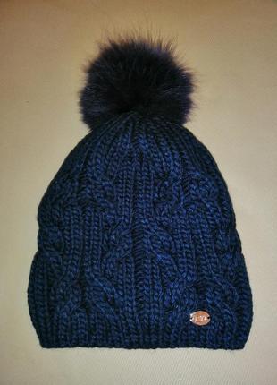 Зимняя шапка с натуральным помпоном
