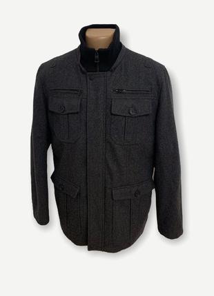 Мужское пальто от бренда guess