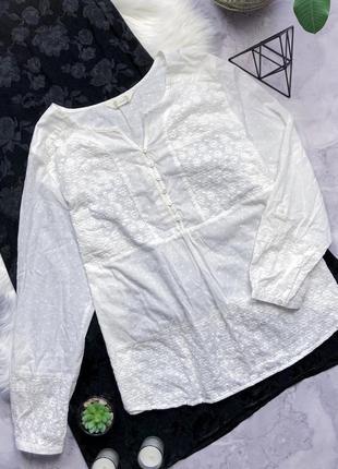 Натуральная рубашка с вышитыми цветами