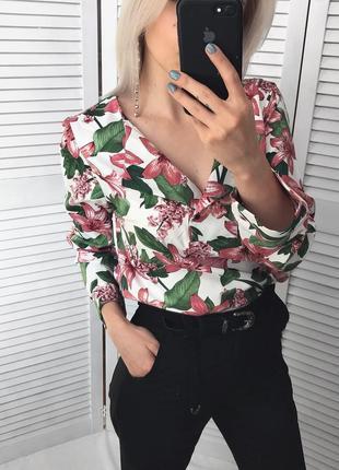 Рубашка в цветочный принт TU
