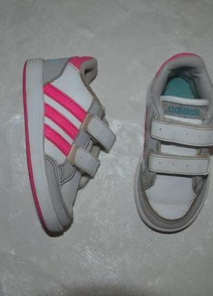 Детские кроссовки adidas (адидас) для девочки