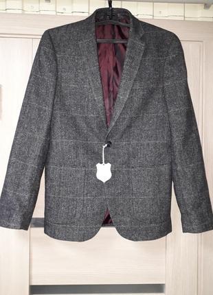 Шикарный шерстяной пиджак от primark
