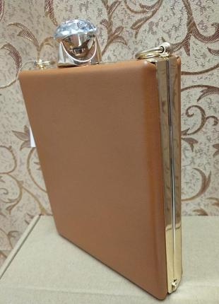 В наличии сумочка мини клатч через плечо но золотой цепочке, з...