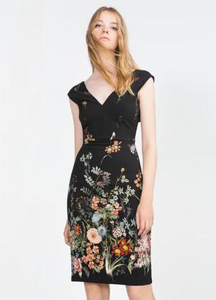 Невероятное платье с красивым декольте zara