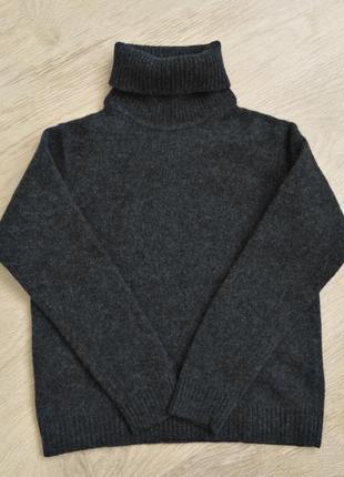 Теплый свитер с горлом шерстяной