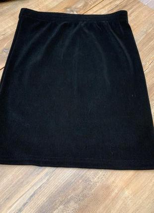 Юбка резинка мини  черная в рубчик
