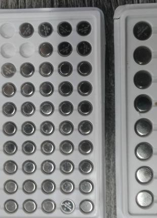 Батарейки CR1025 3 вольта.