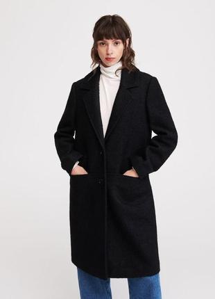 Чёрное пальто с добавлением шерсти прямого кроя. reserved.