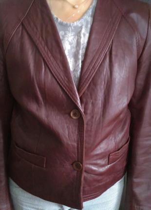 Куртка женская, кожаная.