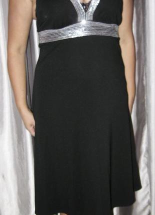 Черное вечернее красивое платье с открытой спиной