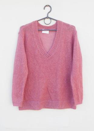 Мягкий  свитер свободной вязки из шерсти и мохера длинный рука...