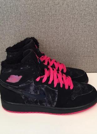Жіночі черевики nike air jordan 1 retro женские ботинки сапоги