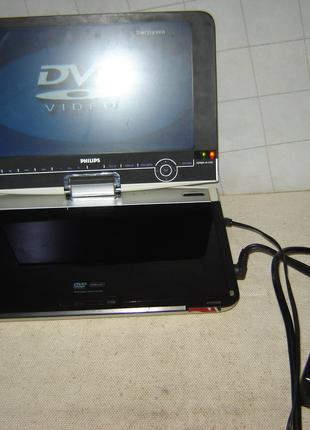 Портативный DVD-плеер Philips PET1030/00