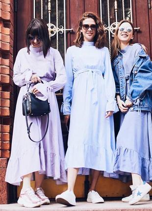 Голубое платье миди с рюшами с поясом мелкий горох