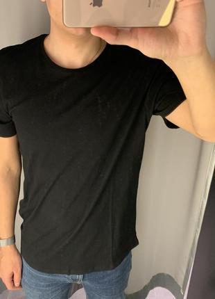 Базовая чёрная футболка из хлопка fishbone smog есть размеры