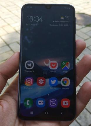 Смартфон Samsung Galaxy A40 2019 4/64GB Black