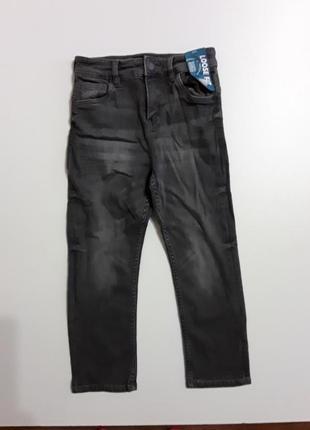 Фирменные стрейчевые джинсы 4-5 лет
