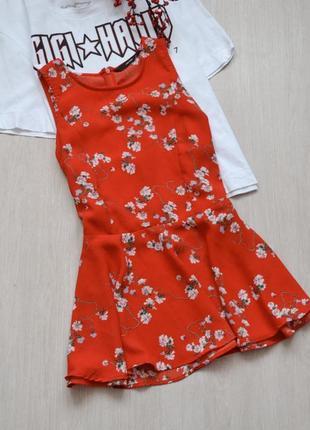 Красивая блузка с баской в цветы