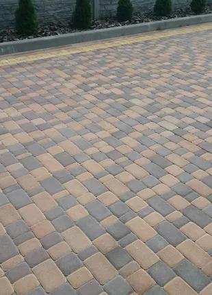 Укладка тротуарної плитки та бруківки