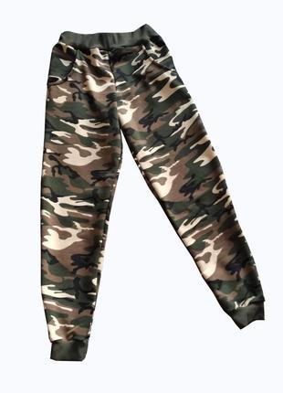Спортивные штаны для детей и подростков камуфляжные