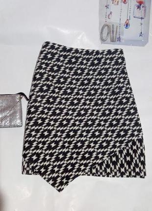 Стильная ,плотная юбка h&m с иммитацией запаха. размер l-xl