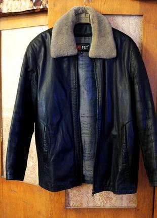 Натуральная кожаная курточка с подстёжкой зима, весна, состоян...
