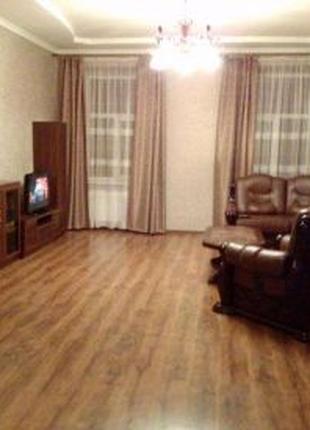 Посуточно трехкомнатная квартира в центре Львова