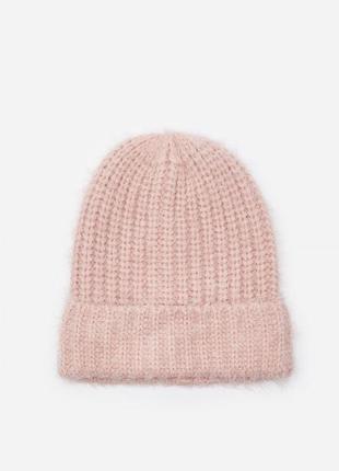 Розовая шапка травка