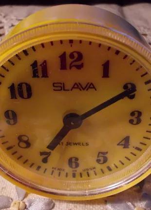 Часы будильник настольные