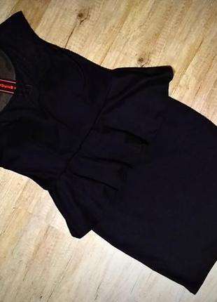 Шикарное платье бренда young blood, черное.