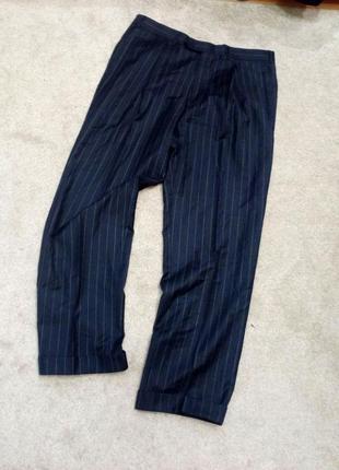 Стильные шерстяные брюки corneliani. на 54.56р. италия. шерсть