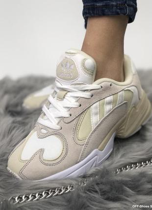 Шикарные женские кроссовки adidas yung в бежевом цвете /весна/...