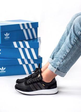Шикарные кроссовки adidas в эксклюзивном полностью черном цвете