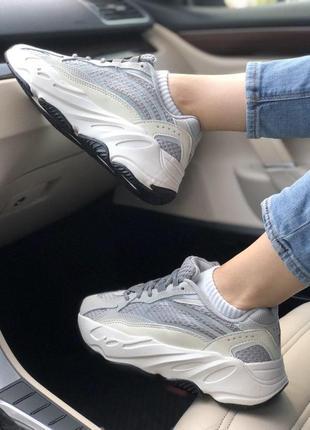 Стильные кроссовки adidas с рефлективными вставками (весна-лет...