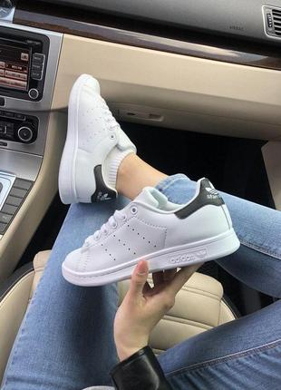 Стильные женские кеды adidas stan smith в белом цвете (весна-л...