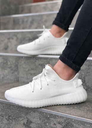 Легкие летние кроссовки adidas yeezy 350 white из текстиля (ве...