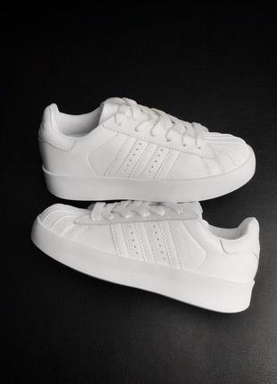Шикарные кроссовки adidas в белом цвете (весна-лето-осень)😍