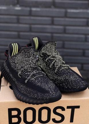 Полностью рефлективные кроссовки adidas yeezy в черном цвете (...