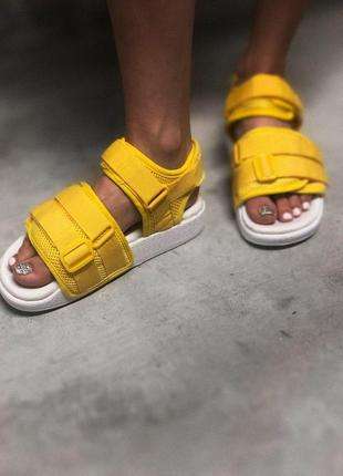 Шикарные женские сандалии adidas в желтом цвете (весна-лето-ос...