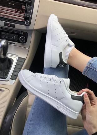 Стильные и удобные кроссовки adidas stan smith в белом цвете (...