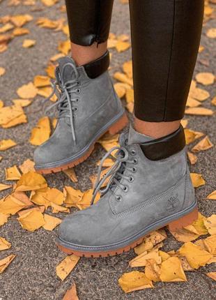Теплые зимние ботинки тимберленд в сером цвете с натур. мехом ...
