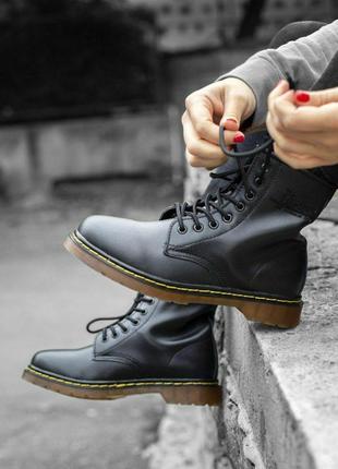 Шикарные меховые ботинки доктор мартинс в черном цвете (осень-...
