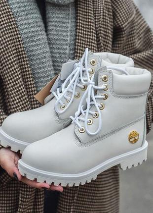 Красивые зимние ботинки timberland в белом цвете с мехом /осен...