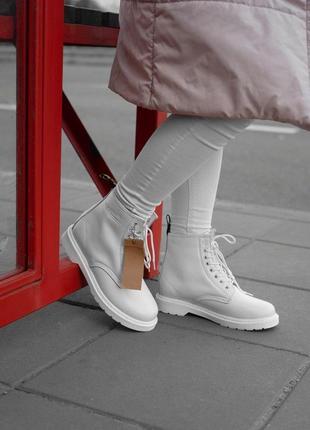 Полностью белые зимние ботинки dr martens с мехом /осень/зима/...