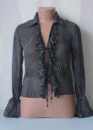 Шифоновая блуза с воланами рюшами расклешенным рукавом от per ...