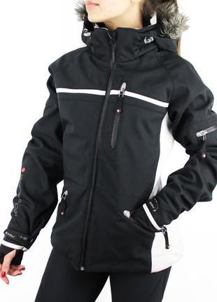 Лыжная куртка с капюшоном и мехом