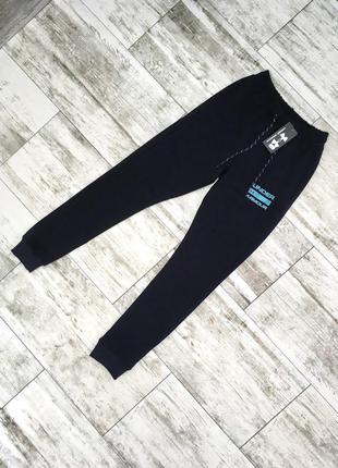 Мужские спортивные штаны Under Armour черные / шорты спортивны...
