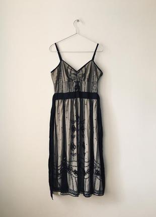 Платье миди цвета шампань расшитое черным бисером и пайетками ...