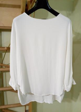 Базовая белая блуза свободного кроя