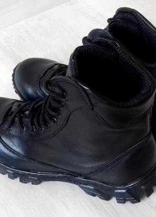 Новые ботинки, кожаные, прошитые